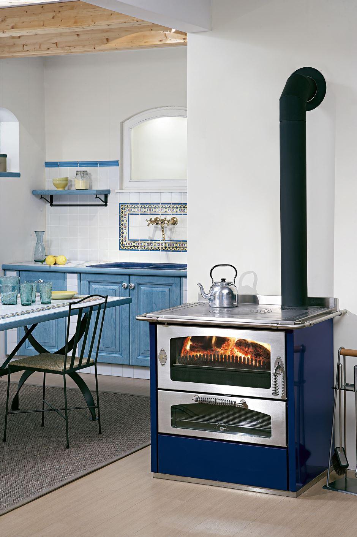Cucina--a-legna-DOMINO8-blu